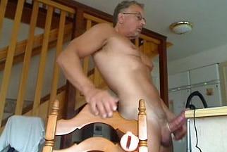 homem velho pelado na punheta nu