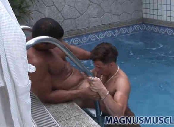Junior Pavanello e seu Boy Fazendo um Sexo Gay na Piscina